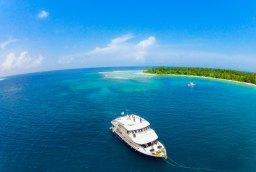 Mentawai VS Maldives… Faites votre choix !